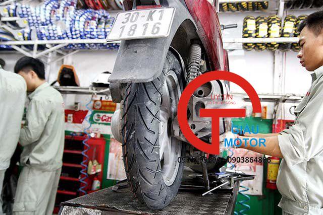 lốp sau xe sh pirelli